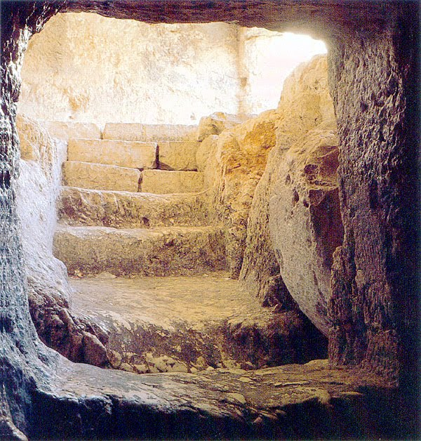 2fb8f-empty-tomb-of-jesus-picture